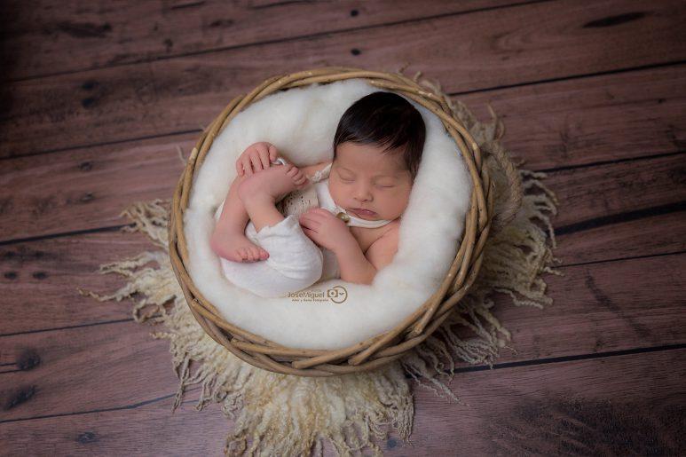sesion newborn fotos bonitas aitor y sonia fotografos